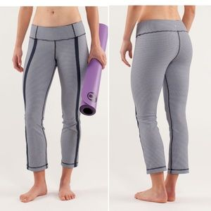 Lululemon coast to class gingham Luon leggings 4